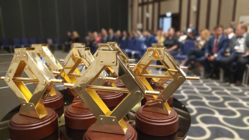 В Уфе предприниматели получили «Золотые домкраты» от премии «Бизнес-Успех»